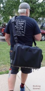 Guitar Ted modeling the Maratona Minimo Gear Bag using the included shoulder strap.
