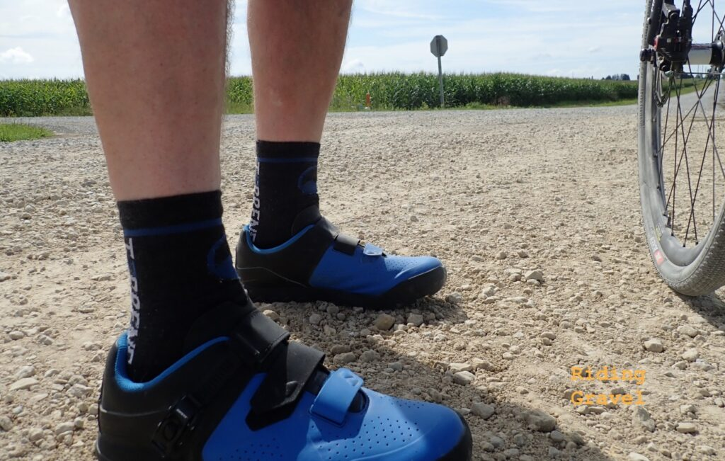 Guitar Ted models the Giant Line shoes on a gravel road