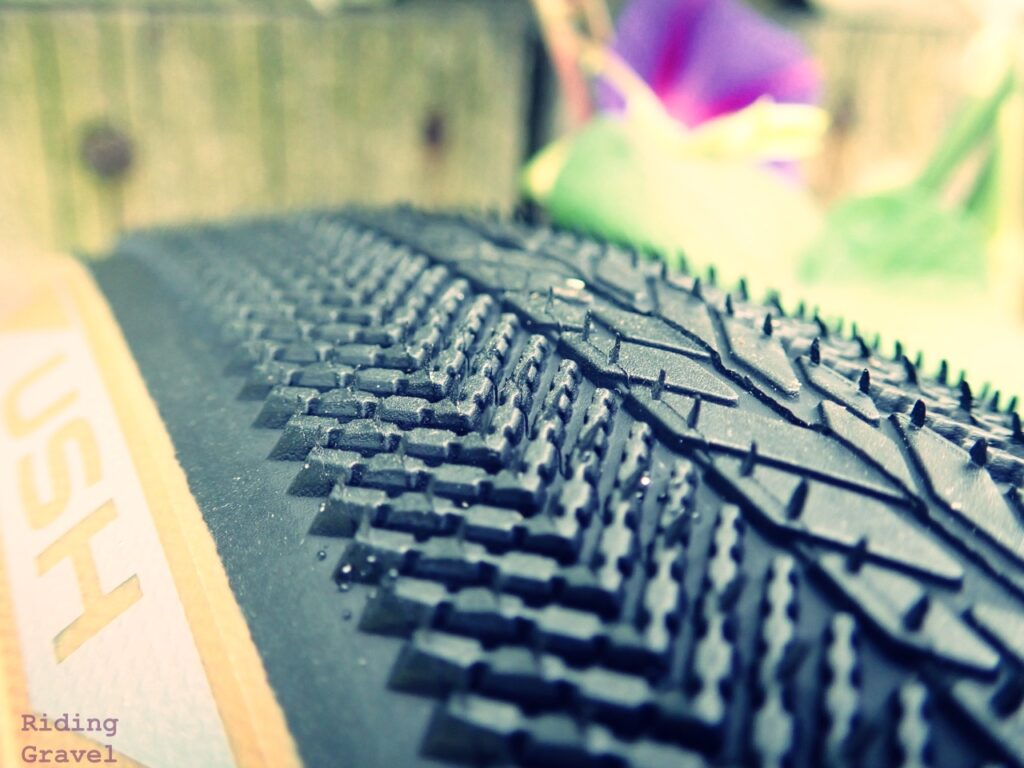 Close up of the Strada USH tread